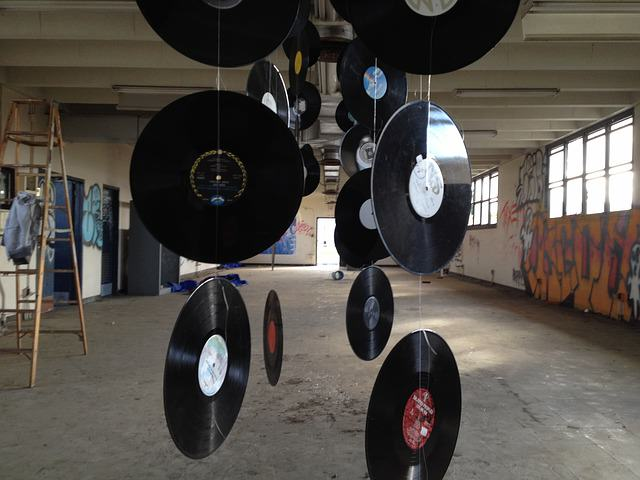 records-412570_640