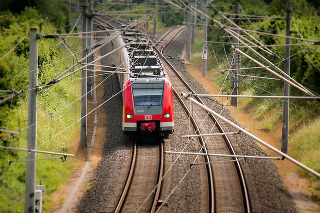 train-797072_640_mini_mini