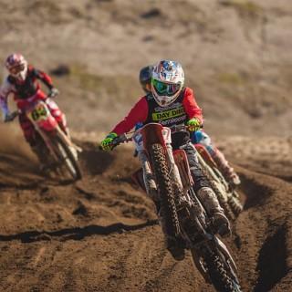 dirt-bike-828644_640_mini