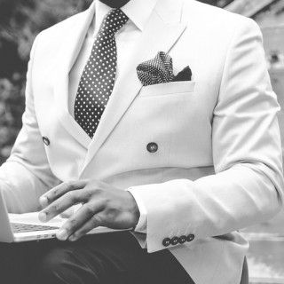 suit-869380_640_mini