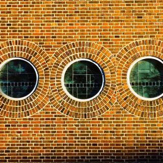 facade-950794_640_min