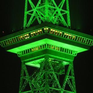 radio-tower-490067_640_mini