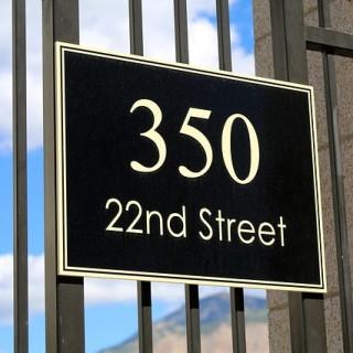 street-438123_640_mini