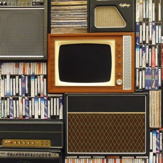 old-tv-1149416_640_mini