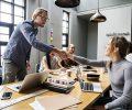 сделка бизнес рукопожатие партнёр