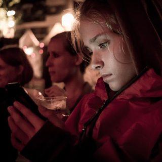 смартфон телефон интернет красивая девушка