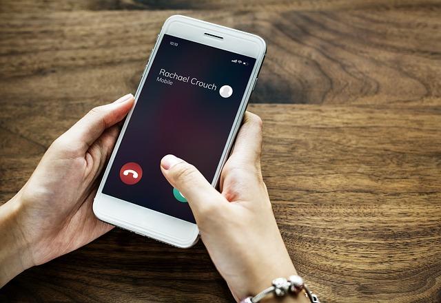 смартфон экран вызов входящий