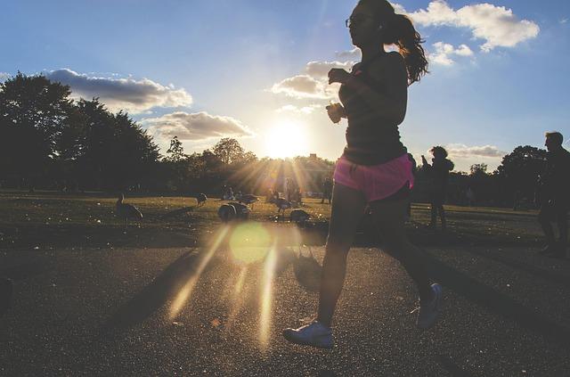 бег фото девушка спорт