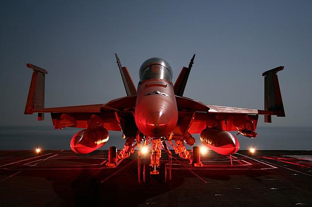 самолёт истребитель авианосец супер