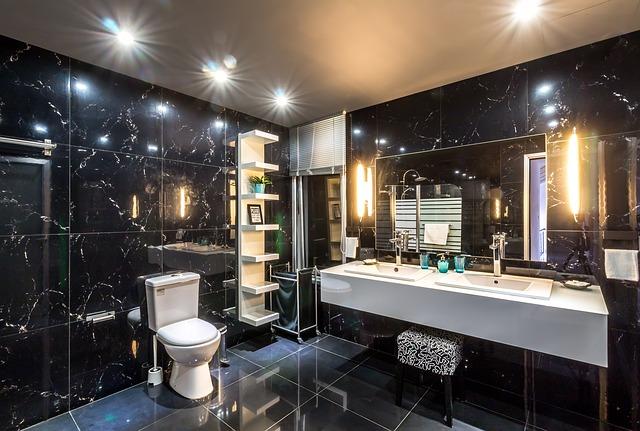 чёрный интерьер туалет зеркало