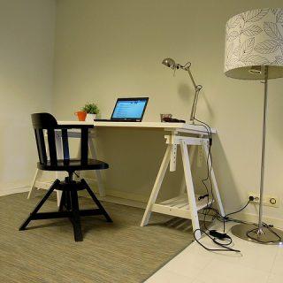 квартира кабинет стол место
