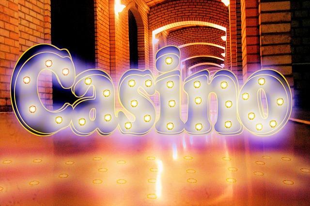 надпись казино