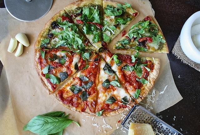пицца с руккола сыр