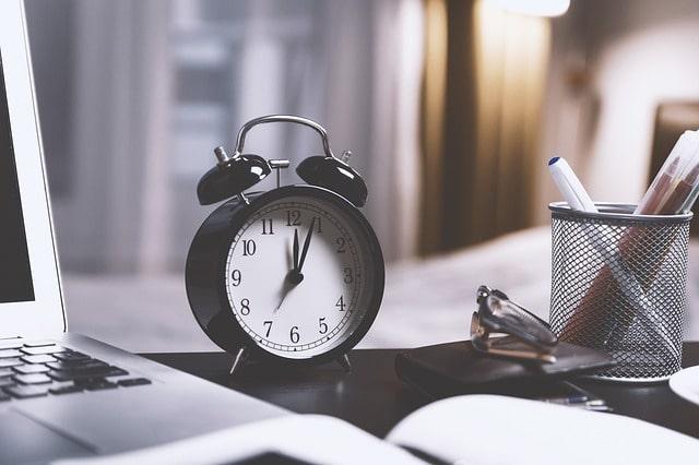 время будильник