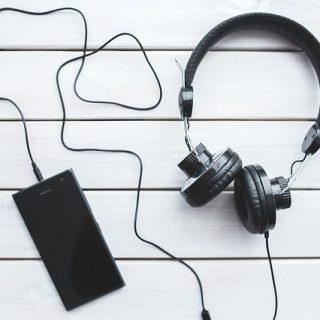 смартфон наушники музыка плеер
