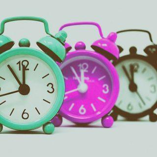 часы будильник время