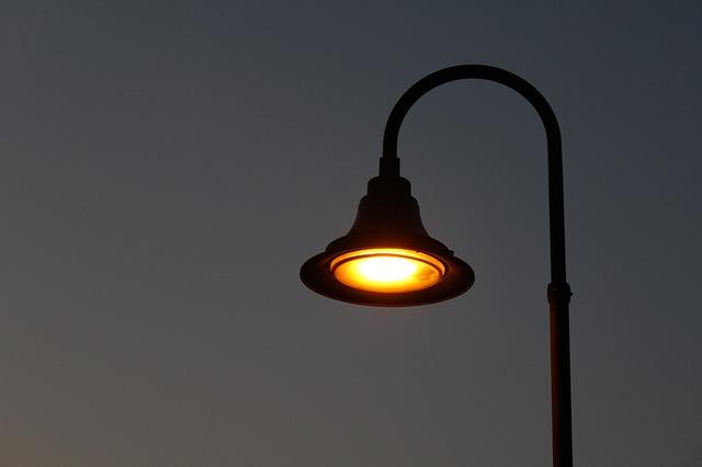 фонарь ночь темно