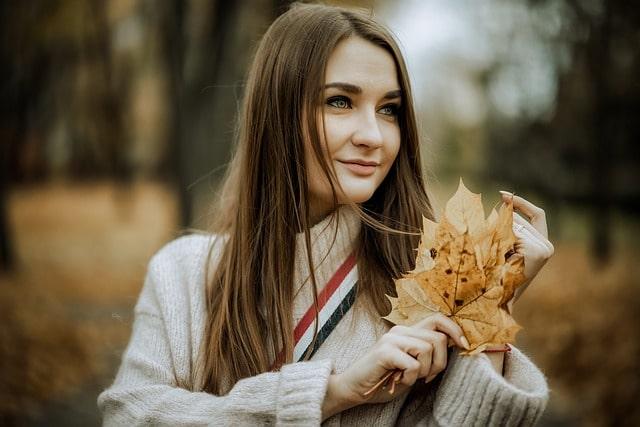 красивая девушка осень природа