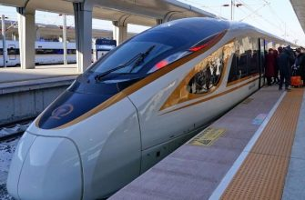 Китайский беспилотный скоростной поезд 350 км/ч